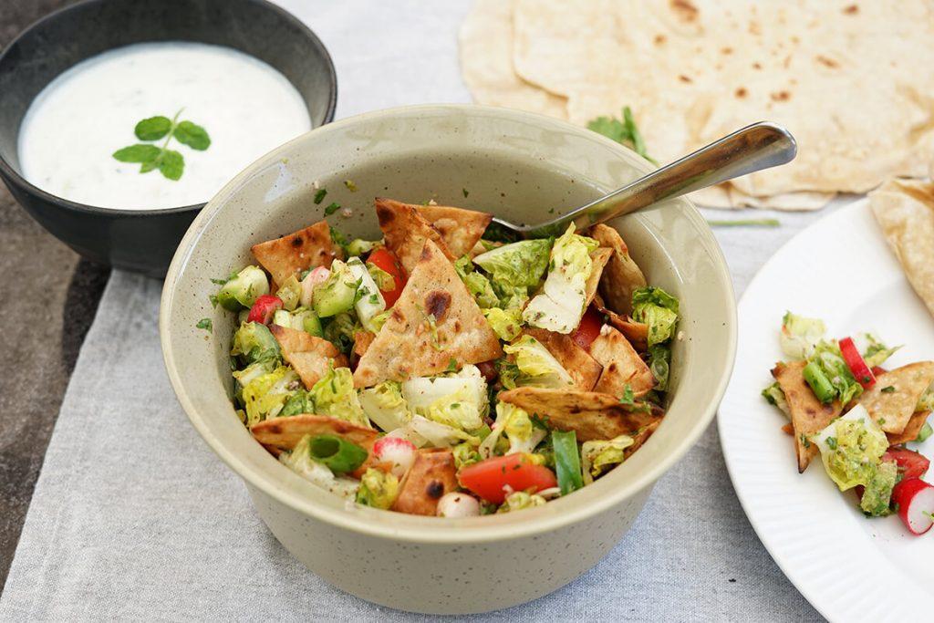 Fattoush - Opskrift på labanesisk brød salat - salat fra mellemøsten